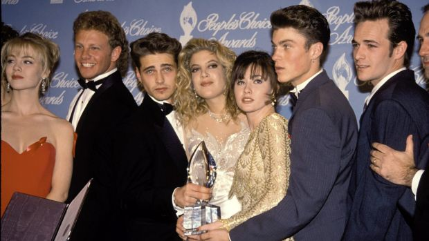 The cast of 90210: Jennie Garth, Ian Ziering, Jason Priestley, Tori Spelling, Shannen Doherty, Brian Green and Luke ...