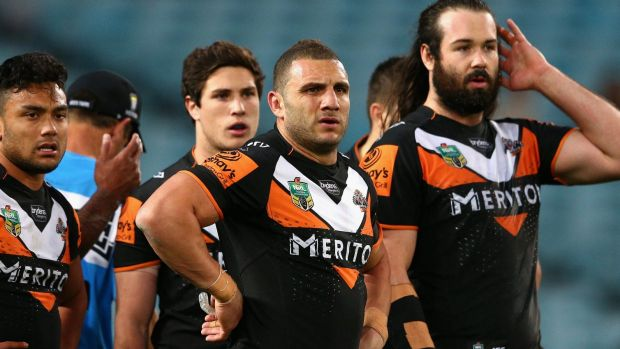 Contract to be honoured: Robbie Farah (centre).