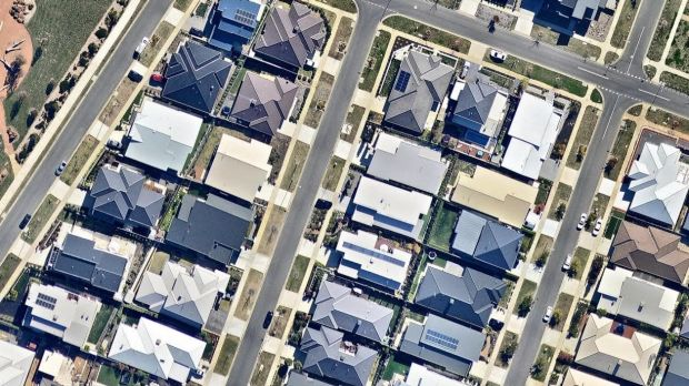 Solar panels on houses at Digby Circuit, Carawa Street and Rylstone Crescent.