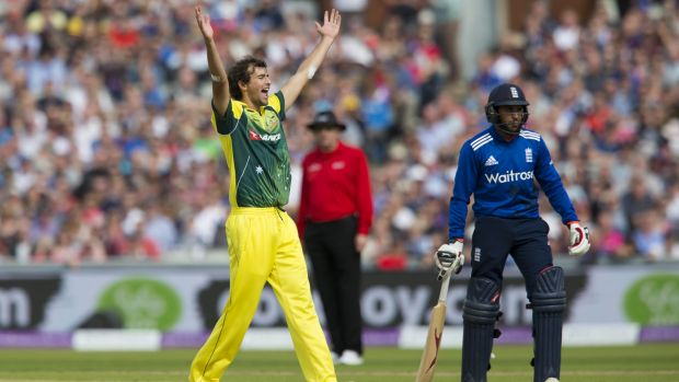 Ashton Agar ends England's innings by getting rid of Reece Topley.