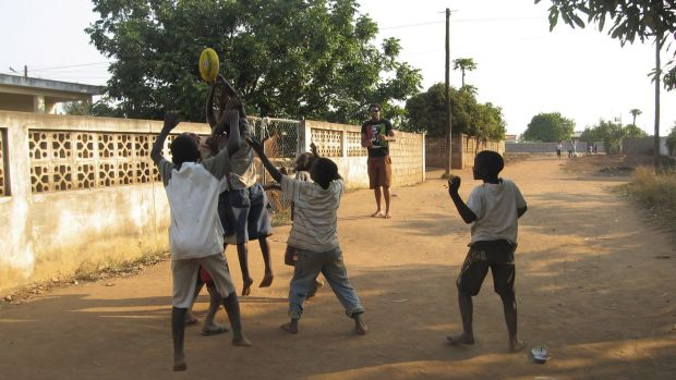 Mozambique has declared itself free of landmines ... Collingwood footballer Harry O'Brien teaches a group of Mozambique ...