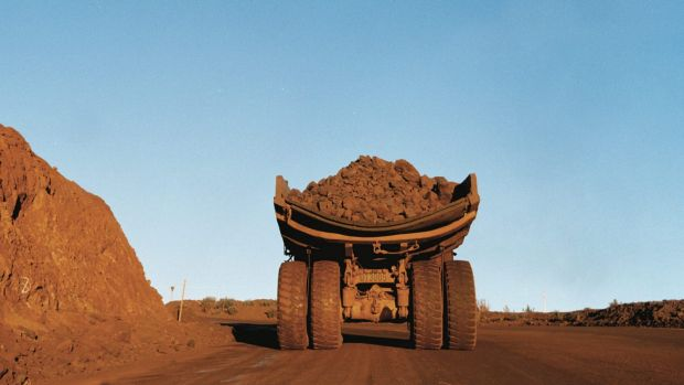 Credit markets are grappling with falling commodity prices which has pushed up the spreads for Australia's big banks and ...