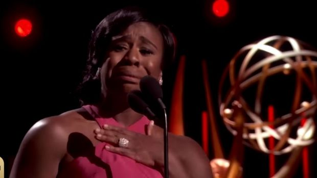 <i>Orange Is the New Black</i> star Uzo Aduba gives a emotional acceptance speech.
