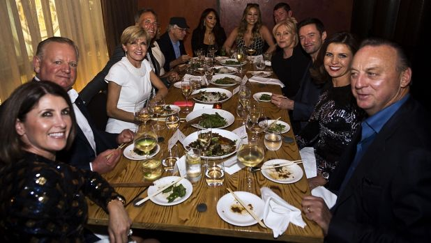 Foreign Minister Julie Bishop (third from left) hosts a charity dinner in New York attended by Robert De Niro,  Mariah ...