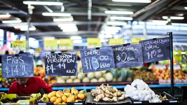 Parts of Dandenong Market were shut down on Easter Sunday when a man started making threats.