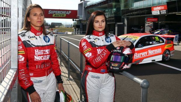 Action-packed race: Simona De Silvestro and Renee Gracie.