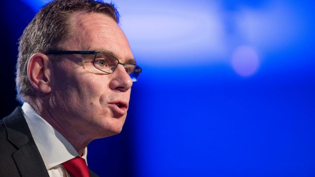 BHP Billiton chief executive Andrew Mackenzie has ramped up his defence against activist investor Elliott Associates.