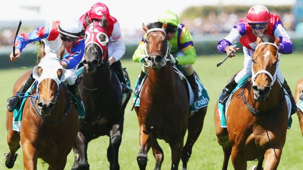 Dwayne Dunn (left) riding Lumosty in a dead-heat with Dom Tourneur on Eclair Choice (right).