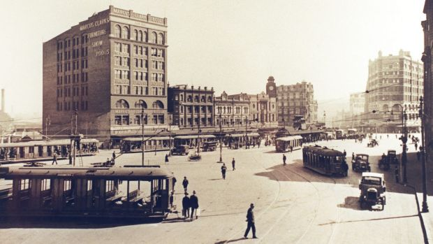 Trams in Railway Square, looking down George Street in 1920.