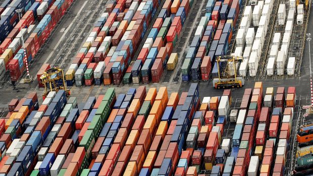 A report into Labor's plans to sell the Port of Melbourne demands the party make 15 changes to the proposal.