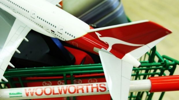 Woolworths is no longer expected to scrap Qantas frequent flyer points.
