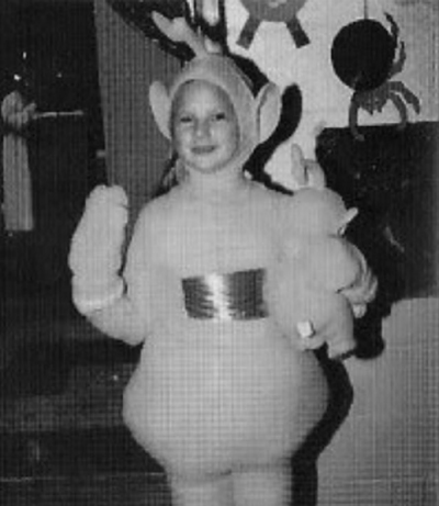 "Taylor Swift posted this throwback with the caption, ""When you dress as the yellow Teletubby for Halloween, but it's ..."