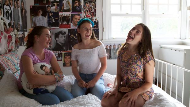 Lily Santamaria, Georgie James and Milly James discuss their obsession with One Direction in the film, <i>I Used to Be ...
