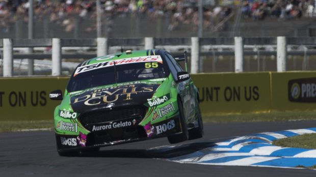 David Reynolds Prodrive Racing Falcon wins race two on Saturday and moves to second in the title race.