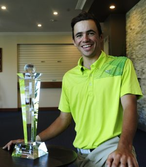 Austin Bautista with the Federal Amateur Open trophy.