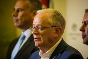 Minister for Trade and Investment, Andrew Robb.