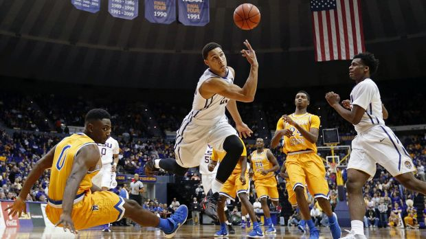 LSU forward Ben Simmons continues to impress in his freshman year.