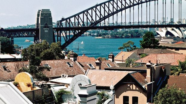 House prices still heading downwards: Sydney home prices fall for the second consecutive month.