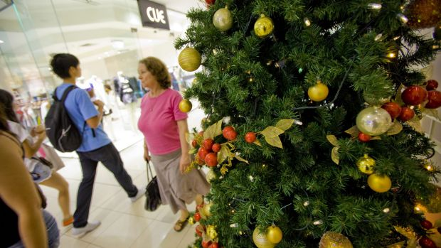 Shoppers in NSW are forecast to spend more than $2 billion this week for Christmas.