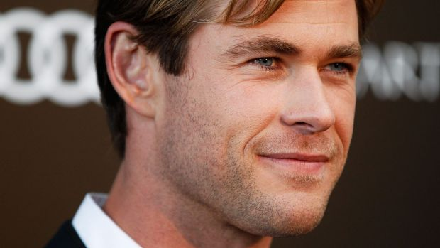 Chris Hemsworth arrives at the charity screening of <em>In the Heart of the Sea</em> in Sydney.