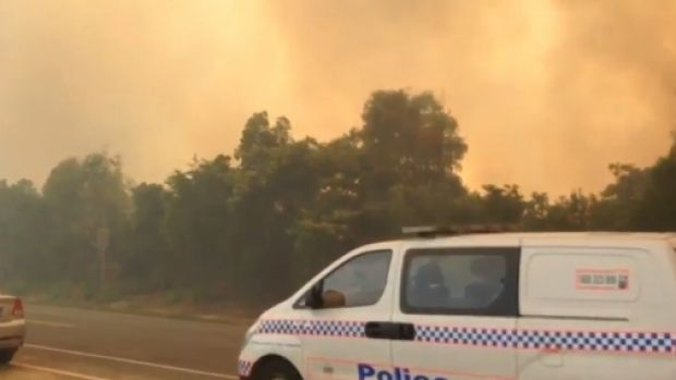 Fire crews are battling a large fire on the Gold Coast.