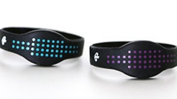 Children travelling alone on Air New Zealand will receive one of the wrist bands at check-in as part of the service.