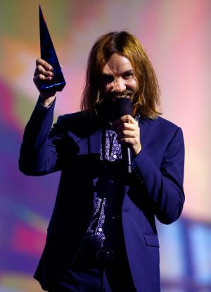 Kevin Parker from Tame Impala accepts the ARIA for Best Group.