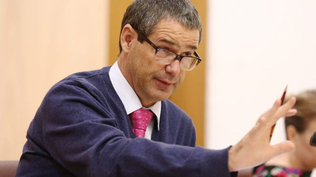 Labor senator Stephen Conroy says the Optus hybrid-fibre coaxial network that will be used in the NBN is 'a pile of rubbish'.