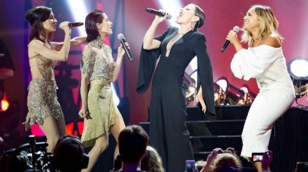 Arena took to the stage with Jessica Mauboy and The Veronicas on the night with a special rendition of Chains, but Jade ...