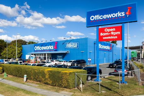 Wesfarmers has shelved plans for a $1.5 billion float of Officeworks.