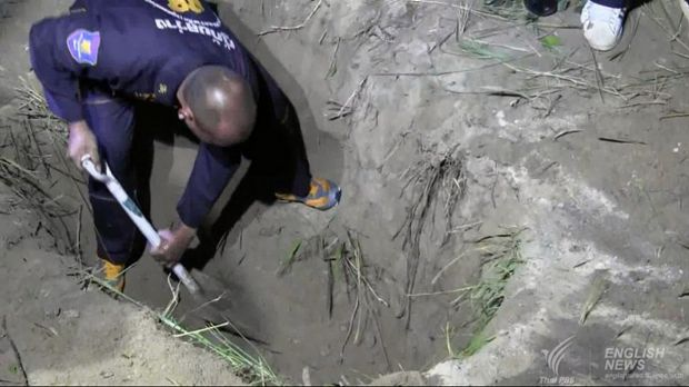 Wayne Schneider's body was found in a two-metre-deep grave in roadside bushes near a Chinese temple outside Pattaya, ...