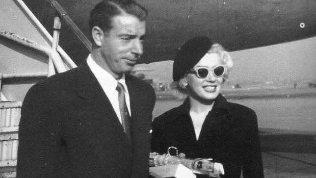 Joe DiMaggio and Marilyn Monroe arrive in Japan for their honeymoon in 1954.
