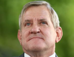 Former Liberal MP Ian Macfarlane is jumping ship and joining the Nationals.