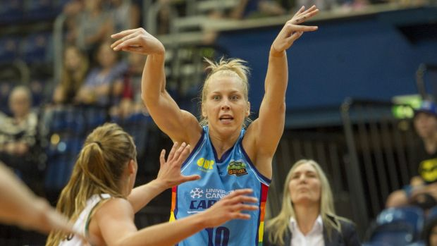 Abby Bishop is yet to decide if she will return to the WNBL or play in Europe for the 2016-17 season.