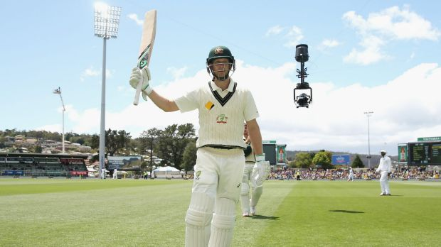 Adam Voges acknowledges the crowd as he leaves the field at lunch.