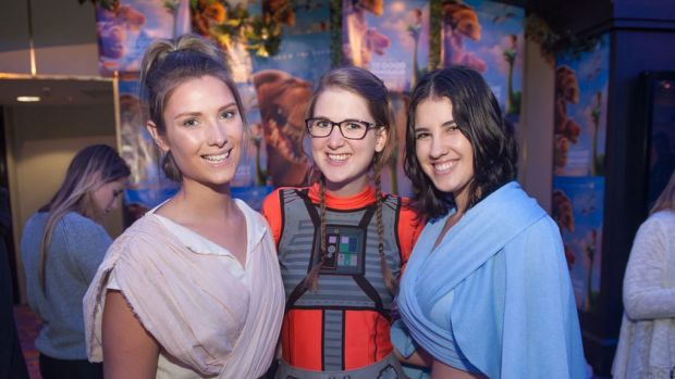 Excited fans at the <i>Star Wars: The Force Awakens</i> premiere.