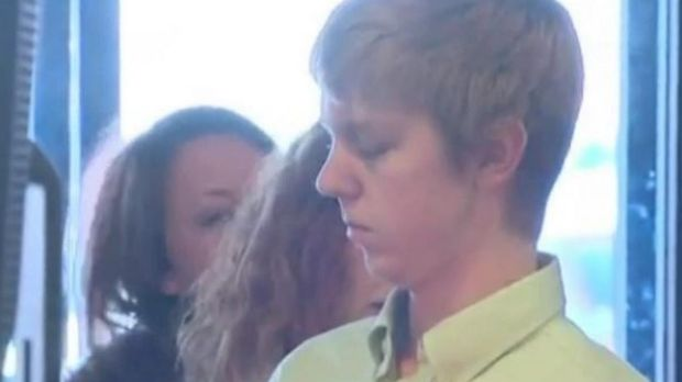 Fugitive drink-driving killer Ethan Couch and his mother are to be returned to the US.
