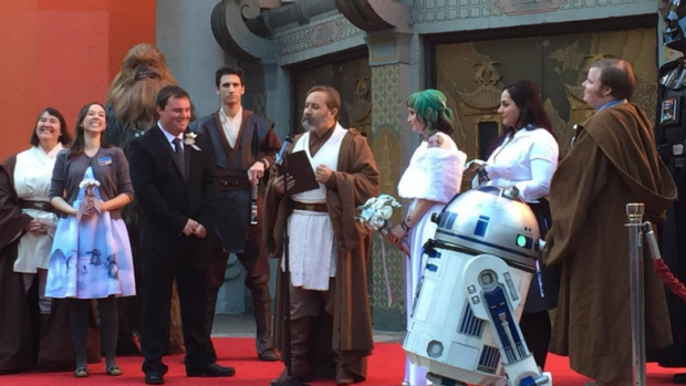 NSW couple Caroline Ritter and Andrew Porters are married at <i>The Force Awakens</i> premiere in Hollywood.
