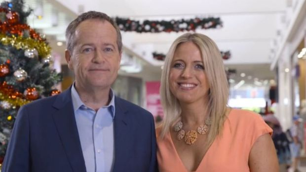 Opposition Leader Bill Shorten and wife Chloe went to a shopping centre to record their 2015 Christmas message.