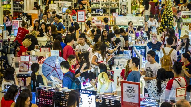Shoppers hunt for a bargain on Boxing Day in Queen Street.