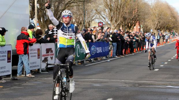 Alex Edmondson won the Devonport Wheel Race on Wednesday and dedicated the win to his late friend and fellow rider ...