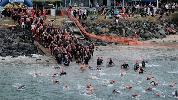 The iconic Pier to Pub ocean swim has been given the all-clear after recent fires in nearby communities.