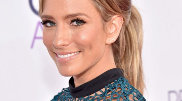 Aussie TV personality Renee Bargh attends the People's Choice Awards 2016.
