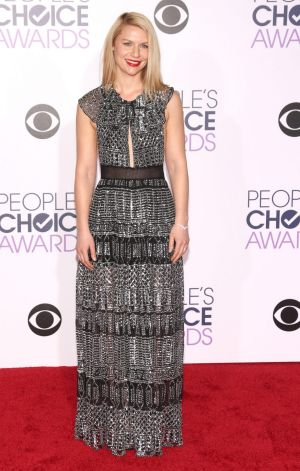 Claire Danes attends the People's Choice Awards 2016.