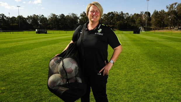 Canberra United coach Rae Dower is weighing up whether to rest players ahead of the W-League finals.