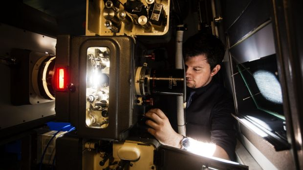 Projectionist Sam Hanson fires up 70mm film projector in time for Tarantino's latest movie release.