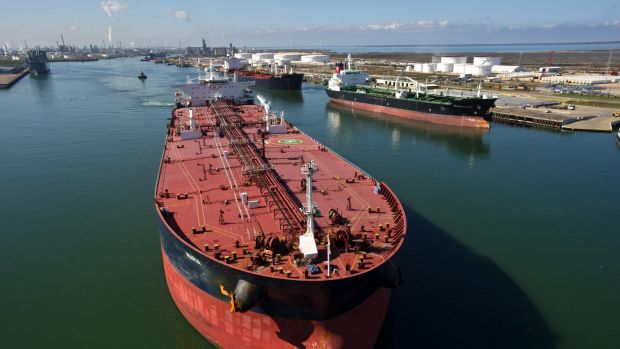 Rates for  cargo ships and tankers have plummeted since August amid slowing growth in China.