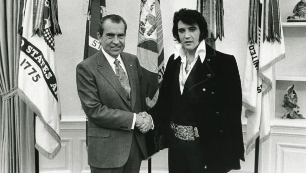 Elvis Presley meeting Richard Nixon in 1970 where he requested to be made a federal agent.
