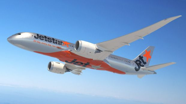 The incident unfolded on a Boeing 787 Dreamliner between Phuket and Sydney.