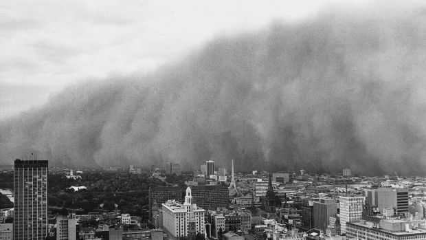 Famous dust storm in 1983 of Melbourne before Ash Wednesday.